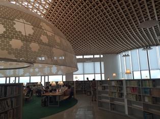 岐阜市図書館 メディアコスモス